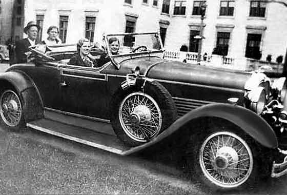 http://www.svvs.org/genpics8/1928_Stutz_Convertible_Coupe.jpg