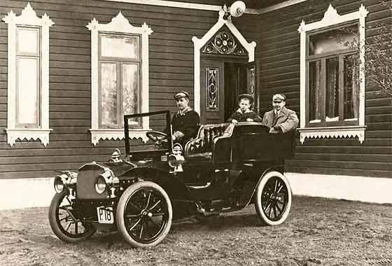 http://www.svvs.org/genpics9/1903_Stoewer_20HP_%20Rear_Entrance_Tonneau.jpg