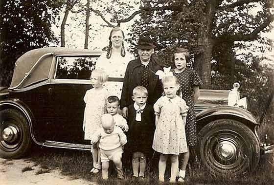 http://www.svvs.org/genpics9/1931_Steyr_S30_Cabriolet.jpg
