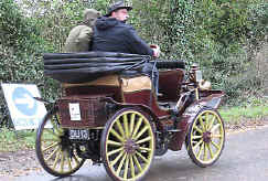 1900_MMC_4.5HP_Four-seater.jpg (58819 bytes)